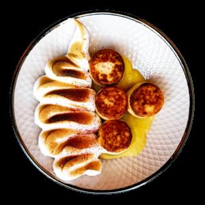 Чізікей та Макарон - Сирники з меренгою та лимонним кремом